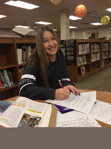 Sophomore impresses when she helps classmate