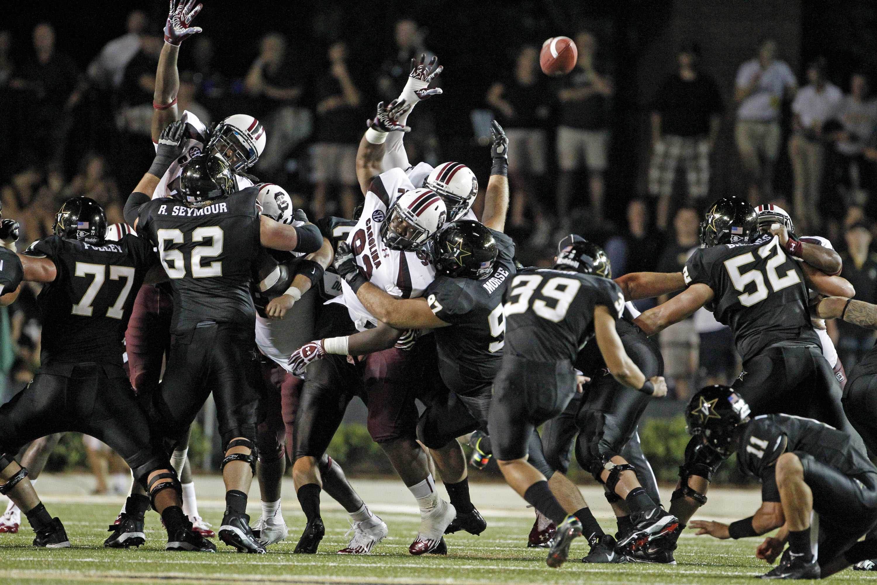 Carey Spear (39) kicks a field goal against South Carolina on August 30, 2012.  Spear made two field goals and an extra point in a 17-13 loss.  (Gerry Melendez/The State/MCT)