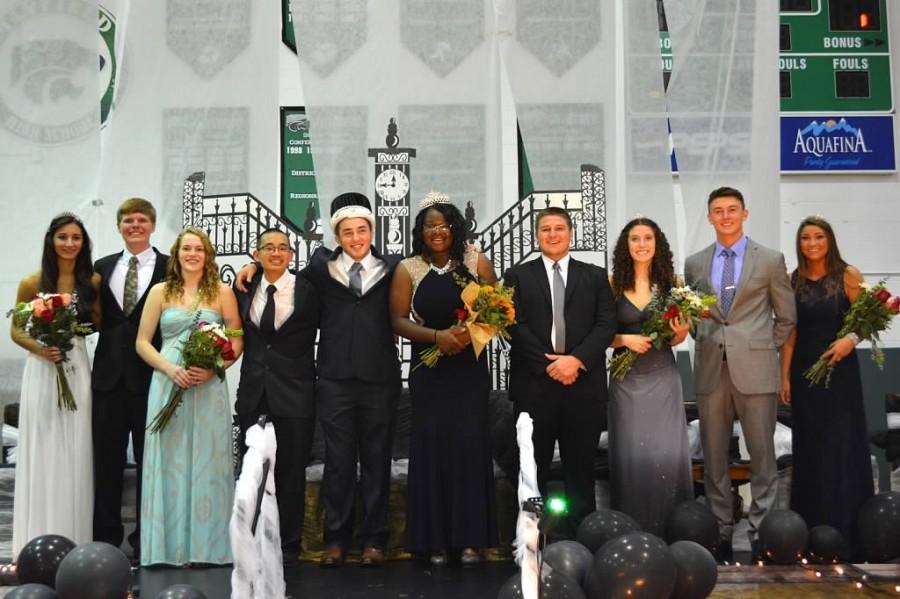 Photo Gallery: Palmer, Guzik win top Homecoming honors
