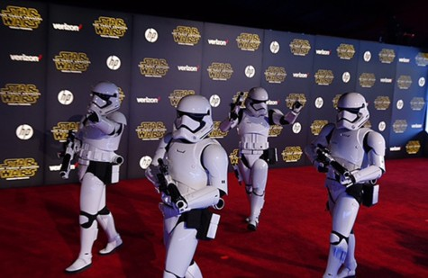 """Star Wars"" revisits Hollywood for premiere"