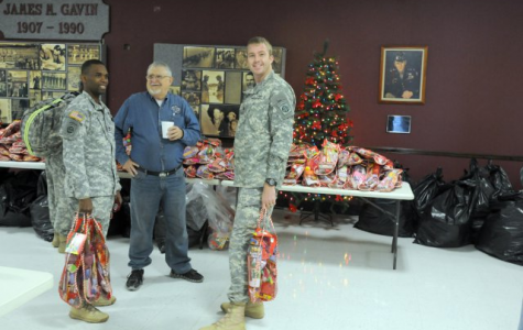 Sophomore student council hosts Stockings for Soldiers