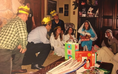 Sisters reenact Jesus Christ's birthday with family