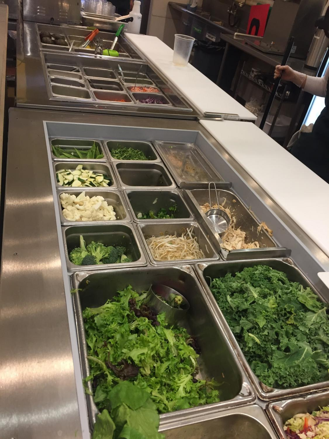 Daboros serves their healthy food through an open, customizable system filled with many greens and vegetables.