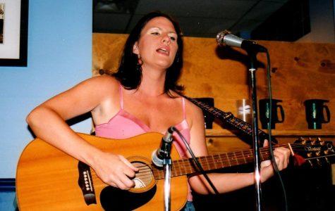 Alisha Bausone played at coffee shops for many years