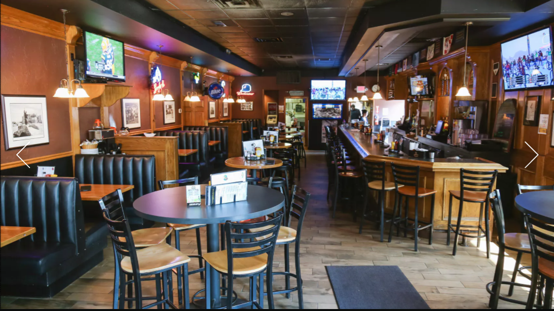 With a seat-yourself environment, Mulligan's offers a variety of comfy dining as well as a relaxing, dimmed atmosphere.