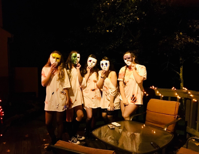 Jordan+Watson+and+her+friends+celebrate+Halloween+in+their+matching+Purge+costumes%0ALeft+to+right%3A+Alison+Laws%2C+Allison+Urban%2C+Maggie+Hall%2C+Liv+Farinacci%2C+and+Jordan+Watson%0A