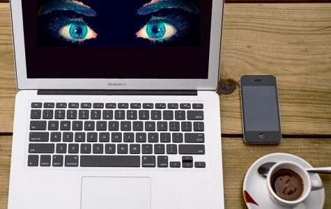 Opinion: Privacy should be kept safe on our phones
