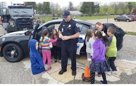 School officer spreads his positivity, helpfulness