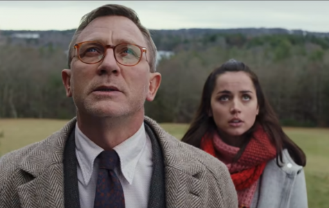 Daniel Craig and Ana de Armas play the lead roles in trying to find the killer of Harlan Thrombey.