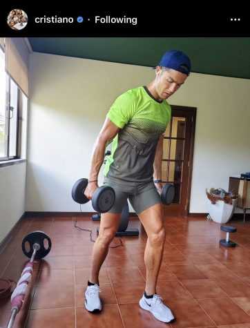 Soccer superstar Cristiano Ronaldo performs a home workout in a post with #StayActive.