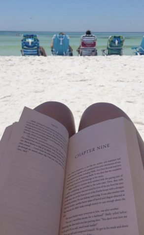 Even when she vacationed on the beach, senior Ella Barth enjoyed taking time to read.